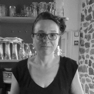 """Florence GLEMEE - Gérante du restaurant et conserverie """"Grain 2 Café"""" à Plouasne (22)"""
