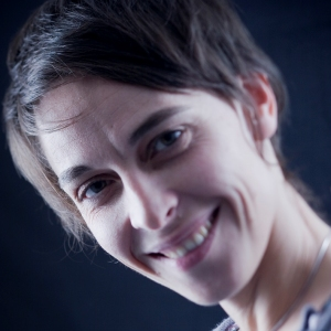 Safiya COTONNEC, responsable artistique de la Compagnie Têtdici Têtdailleurs, à Brest (29)