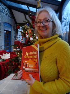 Apprendre l'anglais avec Marjorie Clifton. Oser parler en anglais en s'amusant pourrait être l'adage de Parcours Anglais, l'entreprise de Marjorie Clifton. Elle s'est installée dans sa belle maison bretonne située à Corseul, un petit village près de Dinan.