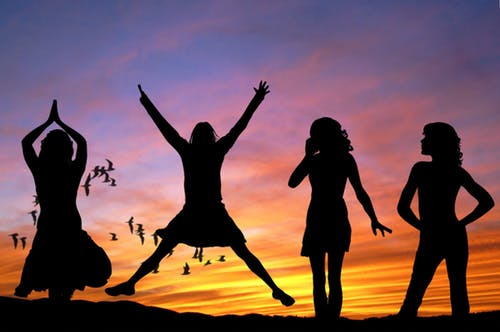 girls-women-rebondir
